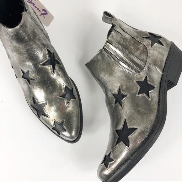 Seven 7 rockstar booties pewter boots star 8 9 10